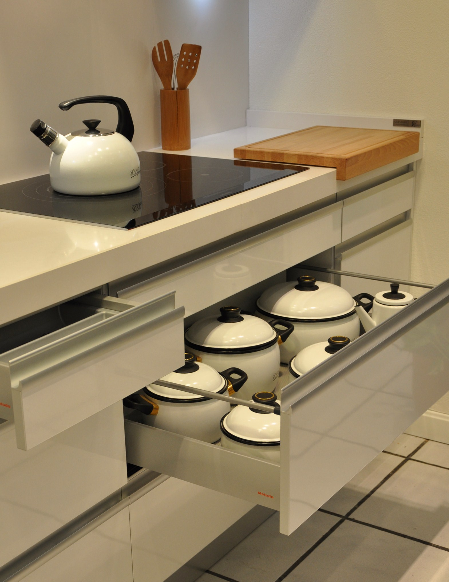 Detalle cocina Serie 25.90 Logos